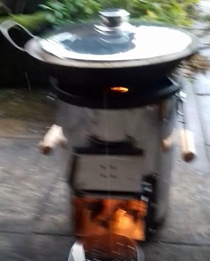 Bild 1 von Klaus zu Petromax - Raketenofen rf 33 - Trockenbrennstoffkocher